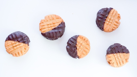 Peanut Butter Cookies with Peanut Butter Filling1
