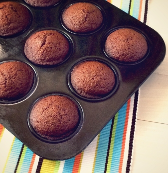 Gingerbread-Muffins-with-Lemon-Glaze