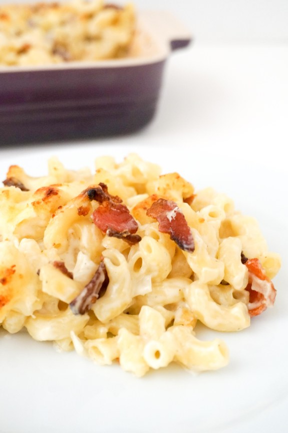 Mac and cheese with blue cheese and bacon