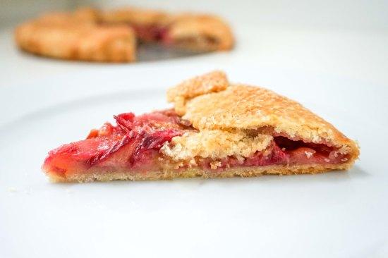 Rhubarb Galette | neutrotic baker