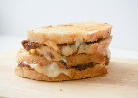 Brisket Grilled Cheese with Smoked Cheddar4